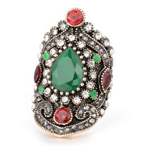 *MAISIE* Green Red Rhinestone Fashion Ring Size 8